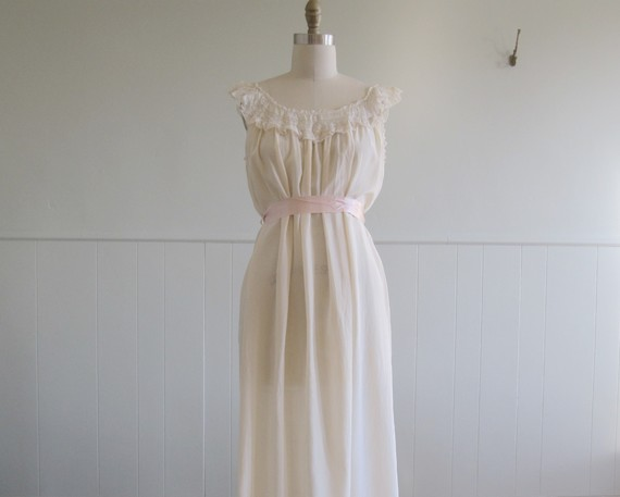 vintage 1900's bohemian wedding dress Greatest Friend 1900 s Vintage Cream