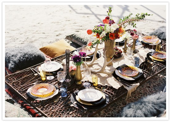 How beautiful would this decor look in a relaxed bohemian wedding