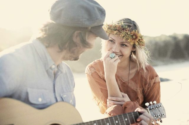 Bohemian Love Story_The LANE Event Styling_Couple_romance_flower garland