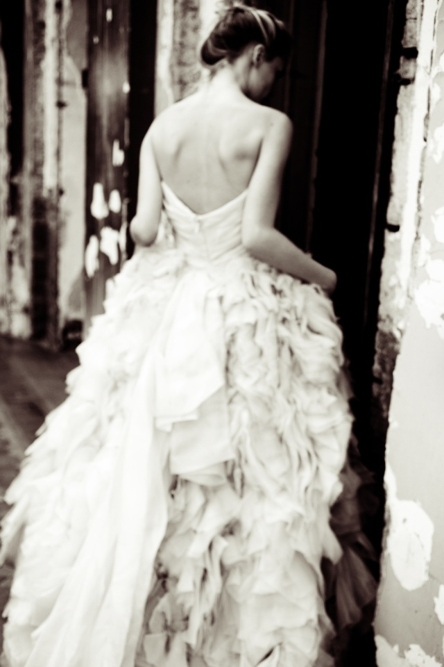 The LANE Bridal Editorial_NYC_Lauren Ross 4_Monique Lhuillier