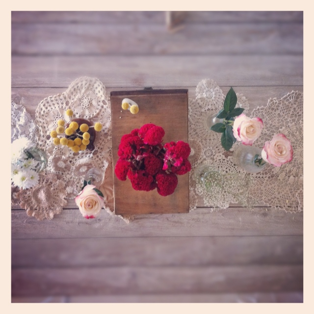 rustic table_raw Wood_Mismatched Flowers_doily table runner